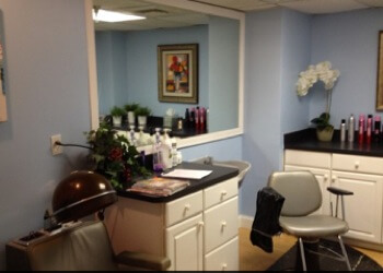 Hudson Manor Salon