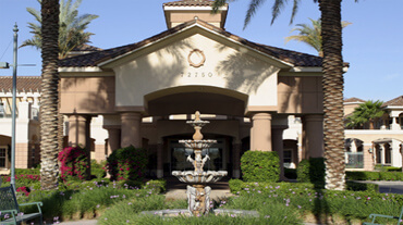 Mirage Inn, Rancho Mirage assisted living facility is surrounded by lush yardscapes and offers levels of service for seniors that include memory care, assisted and independent living.