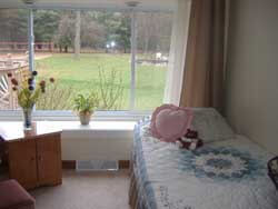 Ruby Acres Adult Foster Care AFC helps those seniors who have Alzheimer's or Dementia,, with lovely natural surroundings.