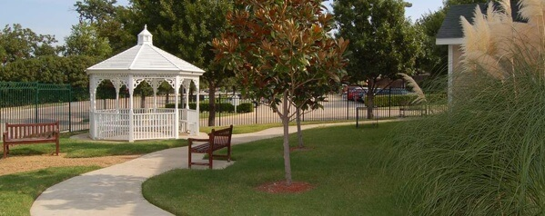 Silverado senior living of Plano - gazebo